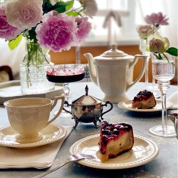 Накртытый стол на завтрак